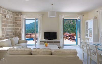 Herceg Novi'de 3 Yatak Odalı  Satılık Villa