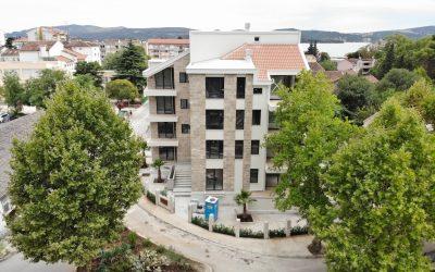 Porto Montenegro Yakınında Lüks Tek Yatak Odalı Daire